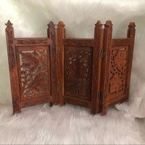 Wooden Handcarved Decorative Divider